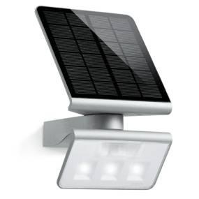 Oprawa solarna z czujnikiem ruchu Xsolar L-S ST671013 Steinel zewnętrzna oprawa świetlna w kolorze srebra
