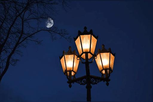 Najmodniejsze lampy solarne do ogrodu